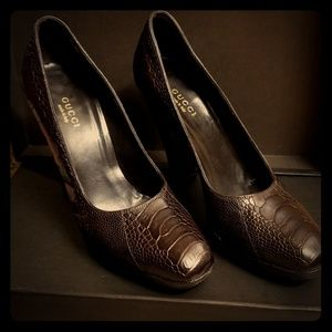 Gucci ostrich claws heel